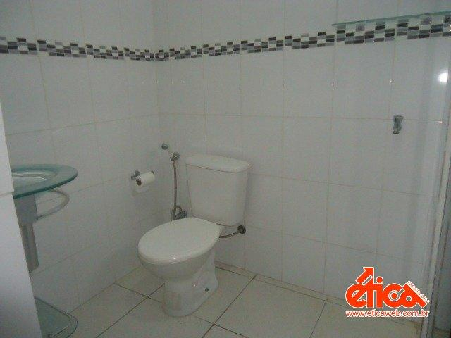 CASA DE 2/4 E PORÃO HABITAVEL - Foto 16