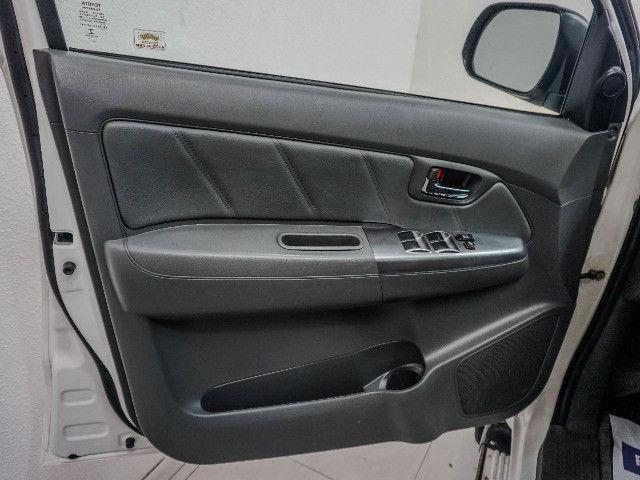 Toyota Hilux 3.0 SRV Turbo Diesel 4x4 Aut 2014 apenas 80.000 KM rodados - Foto 16