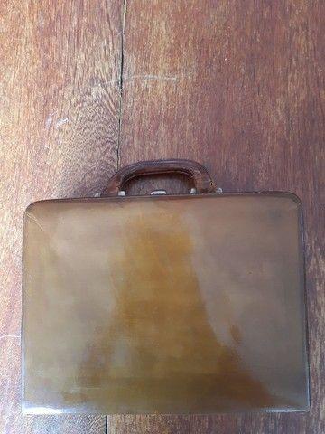 Bolsa de couro em formato de maleta - Foto 3