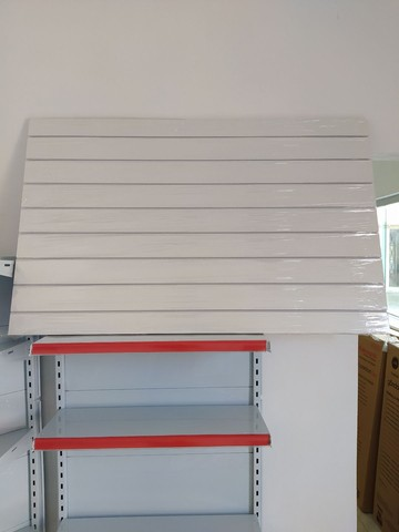 Painel Canaletado 86x136. Painel Canelado + Friso Personalizado Branco. 12x Sem juros