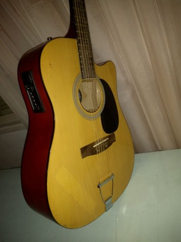 Vende-se violão R$ 300