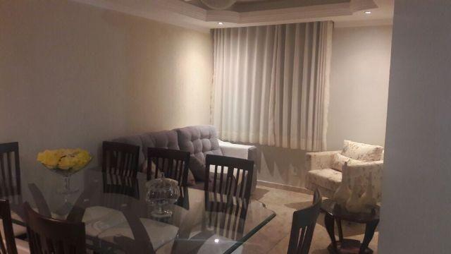 Apartamento no Condomínio Jardim das Palmeiras, Bairro Luzia com 3 quartos sendo um suíte