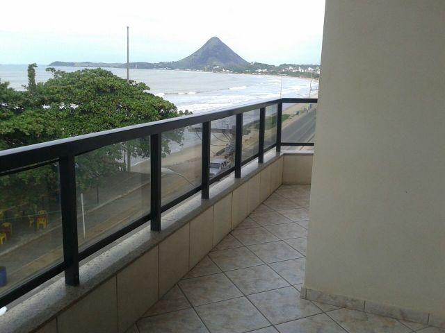 Lindo Apartamento de 02 quartos sendo 01 suíte, de frente para o mar