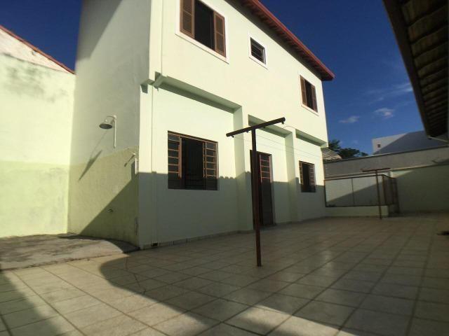 Aluga casa com 5 quartos no bairro Fátima II - Foto 9