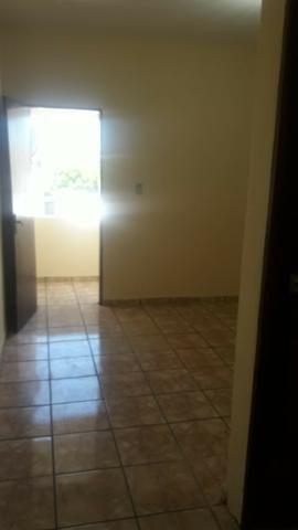 Alugo apto grande de 01 quarto com área de serviço/ 1ºandar-Conj:Araturi novo - Foto 5