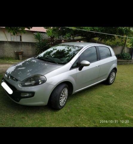 Veículo Fiat Punto Attractive