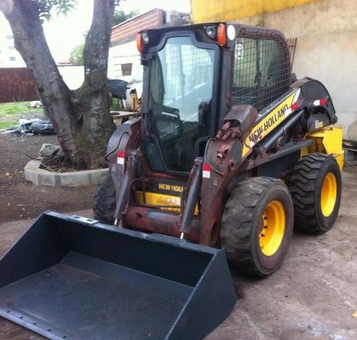 Mini-Carregadeira New Holland L220