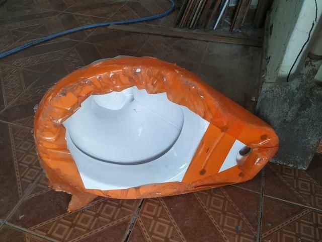 Vaso Sanitário com caixa acoplada - Foto 4