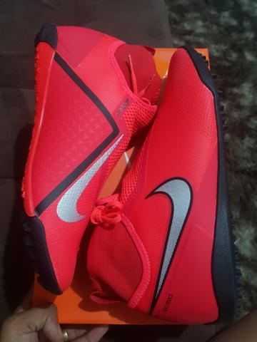 Chuteira Nike Phantom React Profissional Society N 41 - Esportes e ... ba0cfd4f1e761
