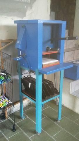 Máquina para fabricar chinelos