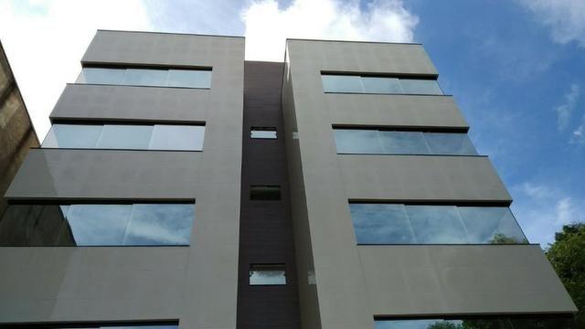 Apartamento em Ipatinga, 3 qts/suíte, área clarabóia 37 m². Total 125 m². Valor 270 mil