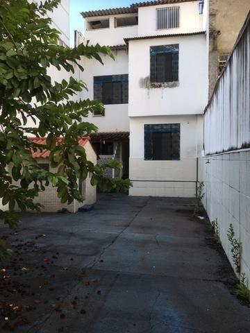 R$ 1.500.000,00 Casa pertinho do Colégio Militar na Tijuca com espaço construir prédio - Foto 4