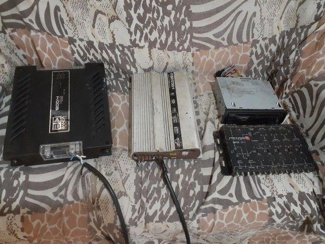 Módulo e Mesa, e aparelho de som