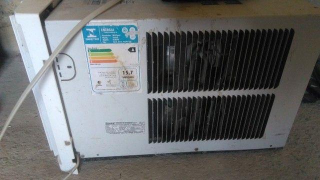 Vendo Ar condicionado 7.5 BTUs seminovo - Foto 2