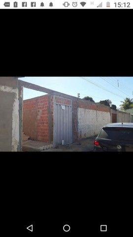 Vendo essa casa em construção,  no bairro São João próximo a Gabriana confecções  - Foto 5