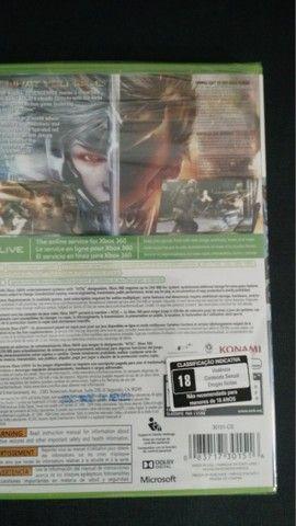 Metal Gear Rising Xbox360 - Original - Novo/lacrado - Foto 2