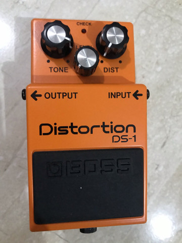 Pedal Boss distorção DS-1