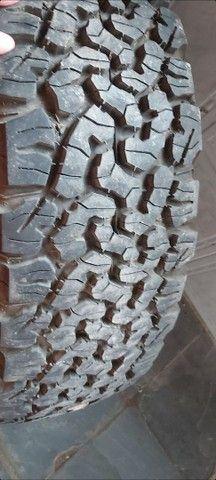 pneus o par (2) 235/75 R15 BF Godrichif  - Foto 3