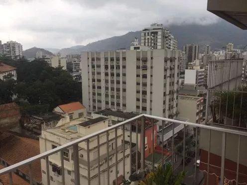 Próximo Shopping Tijuca 2 quartos com 2 suítes, varanda no melhor ponto da Tijuca