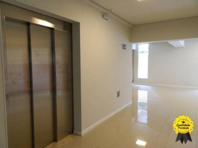 Apartamento 3 quartos, 2 vagas, elevador, ótima localização. - Foto 10