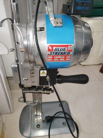 Máquina corte costura