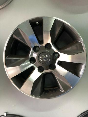 Rodas Aro 17 Toyota Hilux Original SRV Graphite Diamond - Foto 18