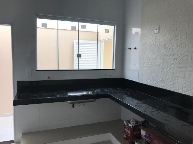 Casa nova 150m em condomínio fechado - suite - closet - area de churrasco - Foto 10