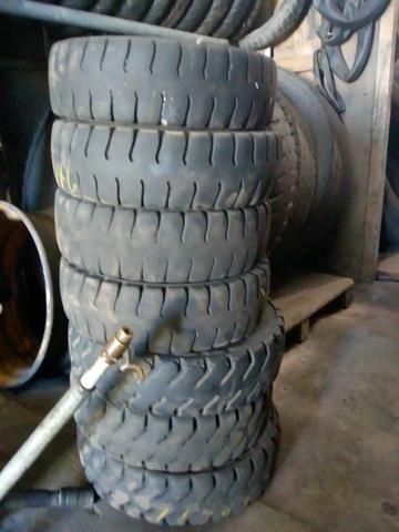 Lote de pneus de empilhadeira