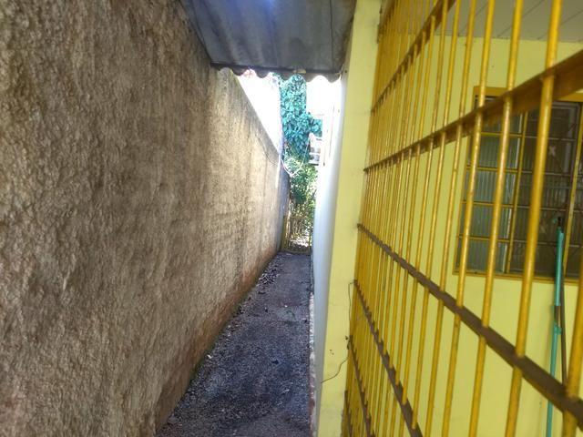 Vendo casa 3 quartos Ao lado do Atacadão Go 060 saída P/ Trindade / Shopping America - Foto 7
