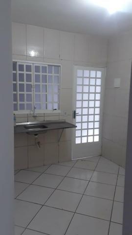 Linda Casa Laje Esquina Ao Lado do Centro, 02 Quartos - Foto 5