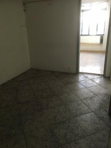R$ 1.500.000,00 Casa pertinho do Colégio Militar na Tijuca com espaço construir prédio - Foto 9