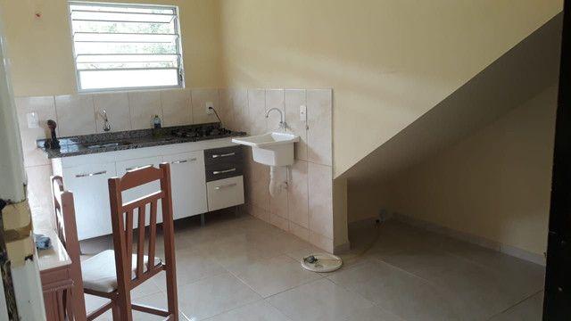 Kit em SJ mobiliada c água e luz $800 - Foto 2