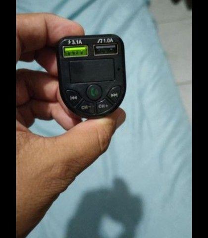 Transmissor bluetooth e carregador veicular.