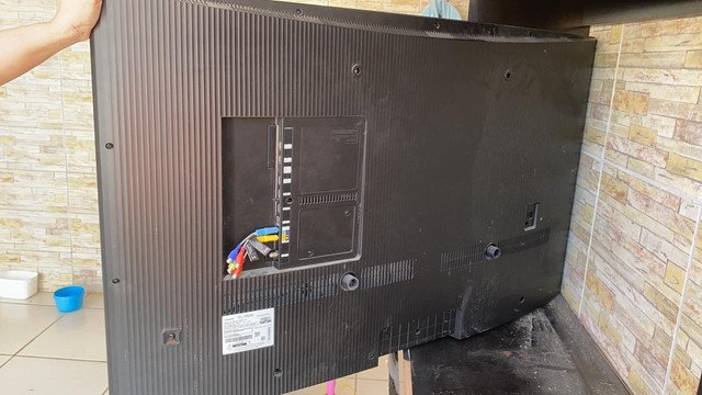 VendovevSmart TV MU6300 55? UHD 4K, Tela Curva, HDR  - Foto 3