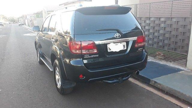 Toyota Hilux SW4 TDI 3.0 4x4 Diesel - Foto 4