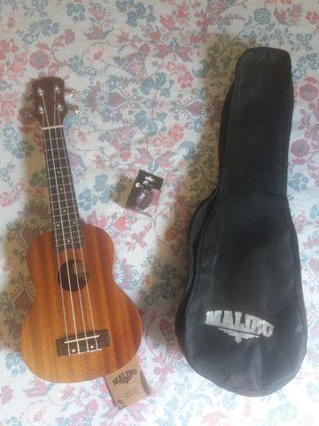 Ukulele Malibu Soprano 21S (corda Àquila original) + afinador digital CS-3 - Foto 2