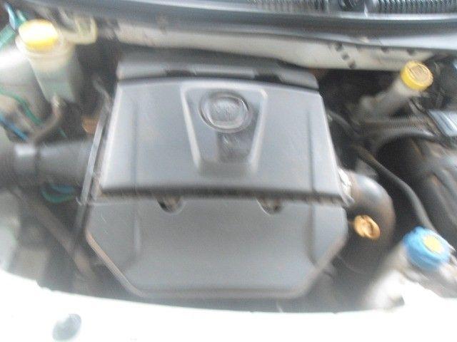 tenho um carro palio ano 2015 semi automático, em troco no carro aberto vertentes - Foto 5