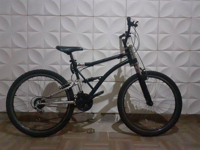 Bike Aro 26 Com 21 Marchas. Suspensão Traseira E Dianteira<br><br> - Foto 2