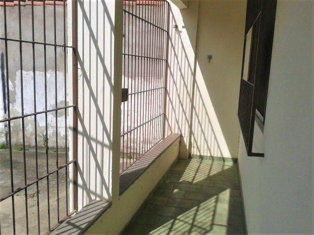 Apartamento térreo, 02 quartos, a 100m da praia no Jardim Maily