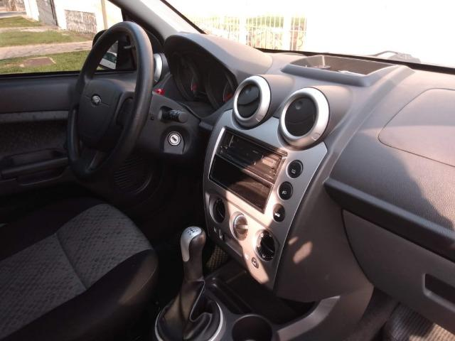 Fiesta Class Hatch 1.6 2011 - Foto 8