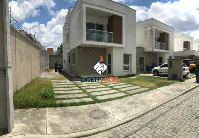 Casa Duplex 3 Suítes Com Terreno Excedente para Venda no SIM - Condomínio Seleto