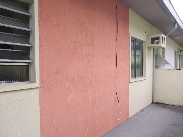 Alugo Ótima casa no parque 10 Sem Mobilia, Na rua da Boate Kiss