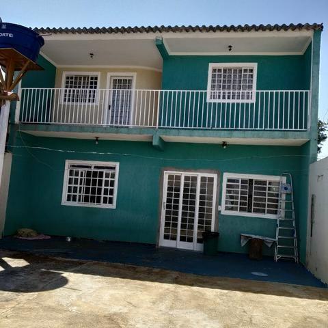 Casa com excelente espaço / bem localizada - Foto 3