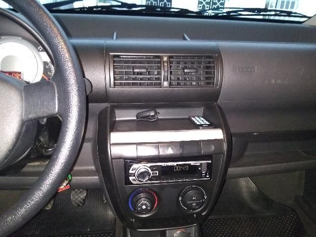 Volkswagen Fox 1.0 Trend 8v 2009 - Foto 6