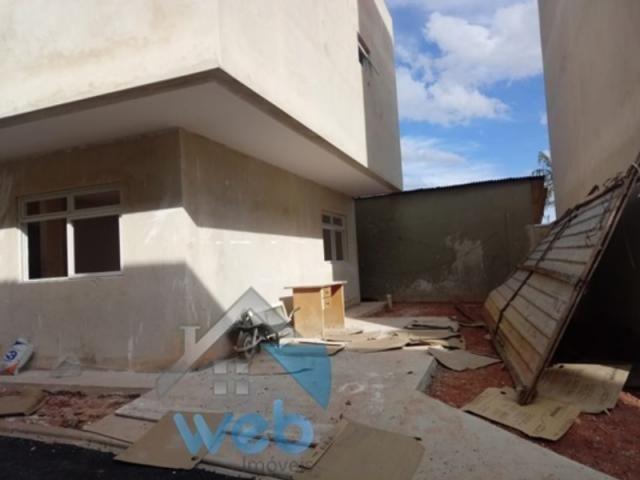 Uberaba, sobrado, três quartos, duas suítes, garagem, terraço. - Foto 3