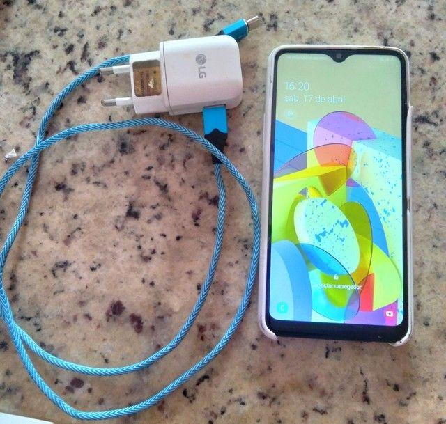 Lindo Samsung Galaxy A20s com carregador faço entrega aceito cartão