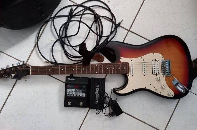 Guitarra com pedaleira - Foto 2