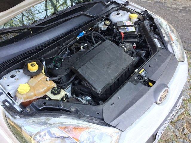 Fiesta Sedan Class 1.6 2013 - Foto 16