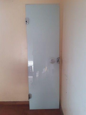 Vendo porta de Vidro 63 largura por 210 de altura