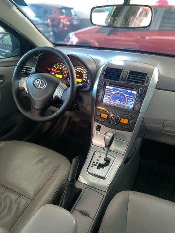 Corolla Xei 2.0 aut 2013 BLINDADO  - Foto 11